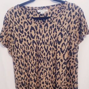 Short sleeve cheetah design top